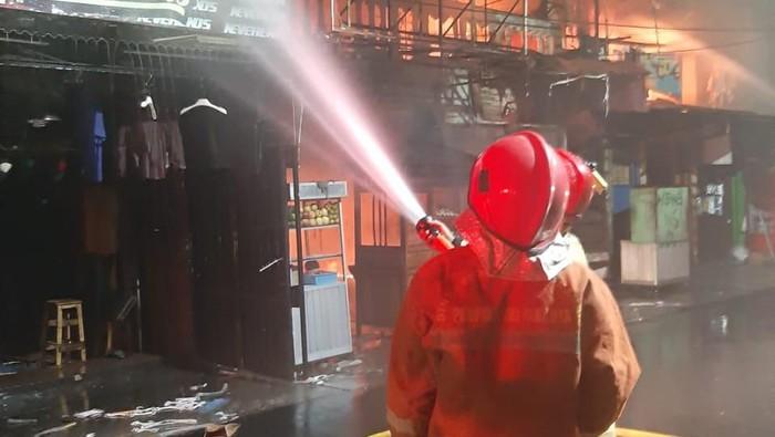 Kebakaran-di-Tambora-Jakarta-Barat