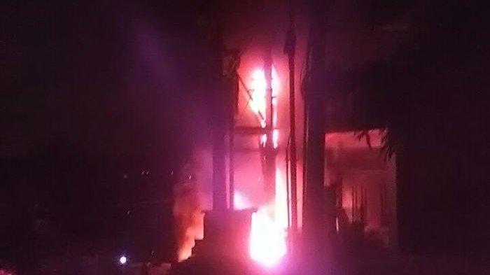 gardu PLN cempaka putih terbakar